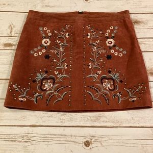 Willow & Clay Suede Embroidery Mini Skirt Small